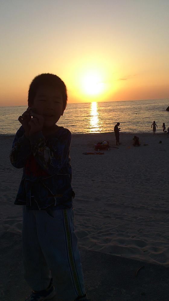 息子と沈む夕陽