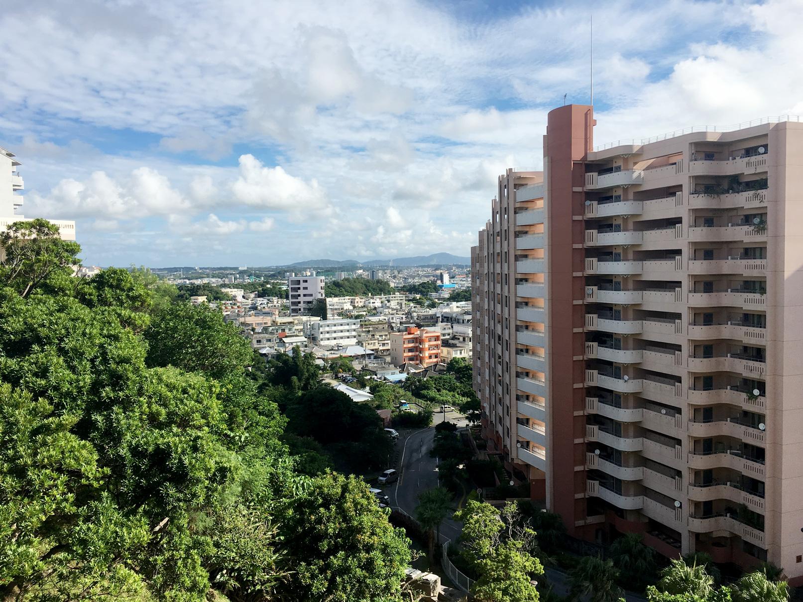 沖縄市役所からの風景①