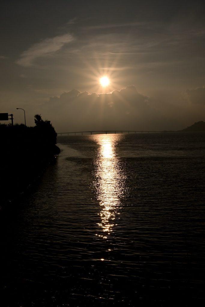 海中道路から見る日の出