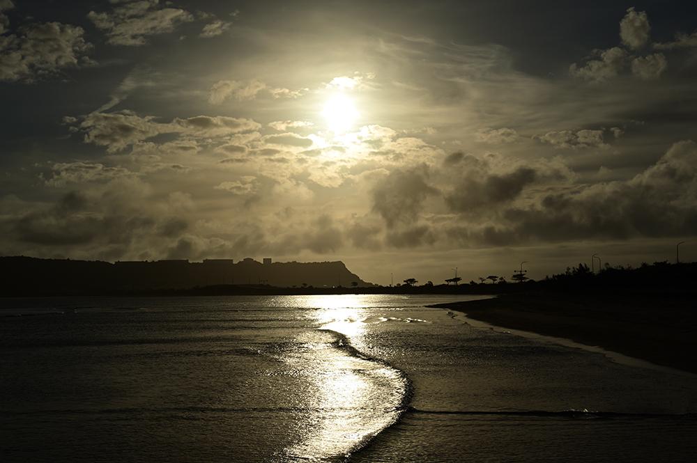 【画像】今朝の沖縄の朝日