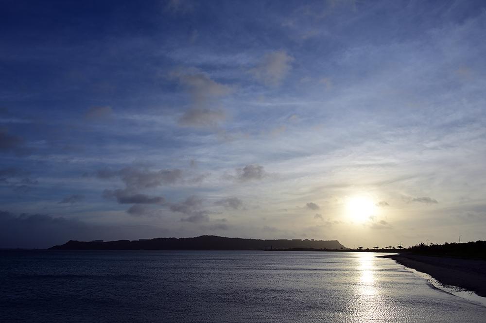 【画像】沖縄の今日の朝日