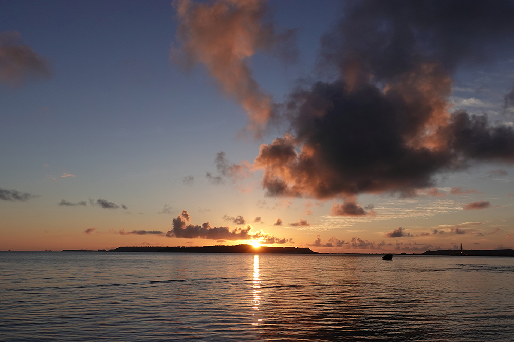 【画像】2021年8月26日の沖縄の朝日