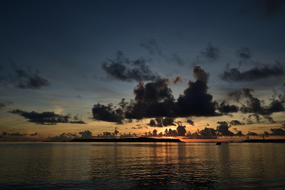 【画像】2021年9月7日の沖縄の日の出前