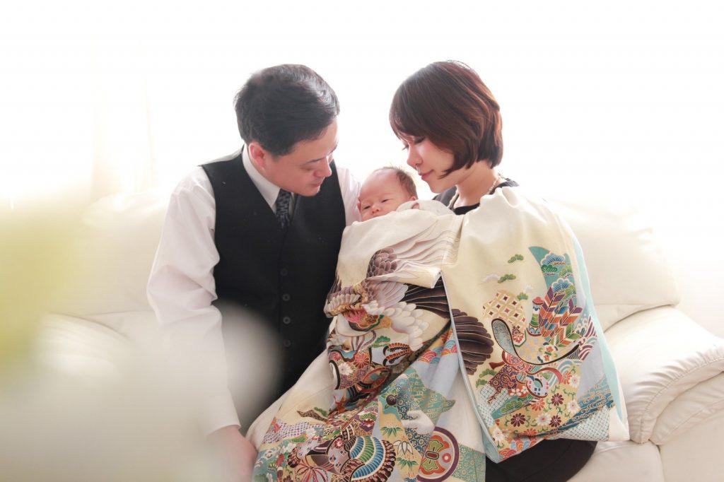 【画像】お宮参りの赤ちゃんとご両親