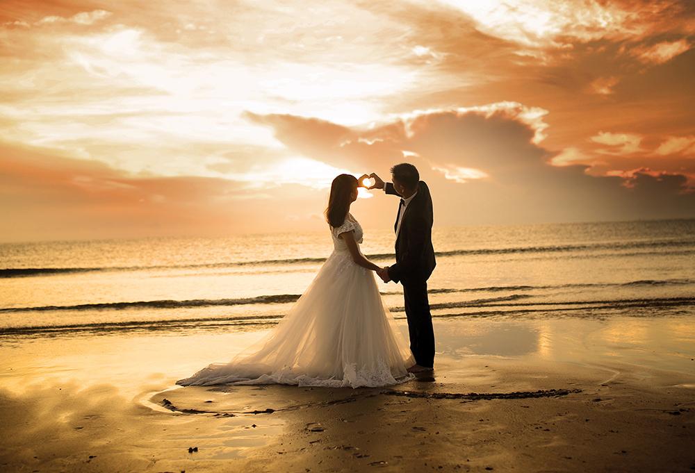 【画像】結婚式の新郎新婦