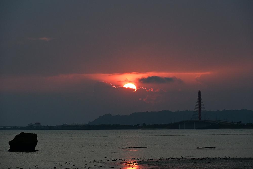 【画像】2021年10月16日の沖縄の日の出