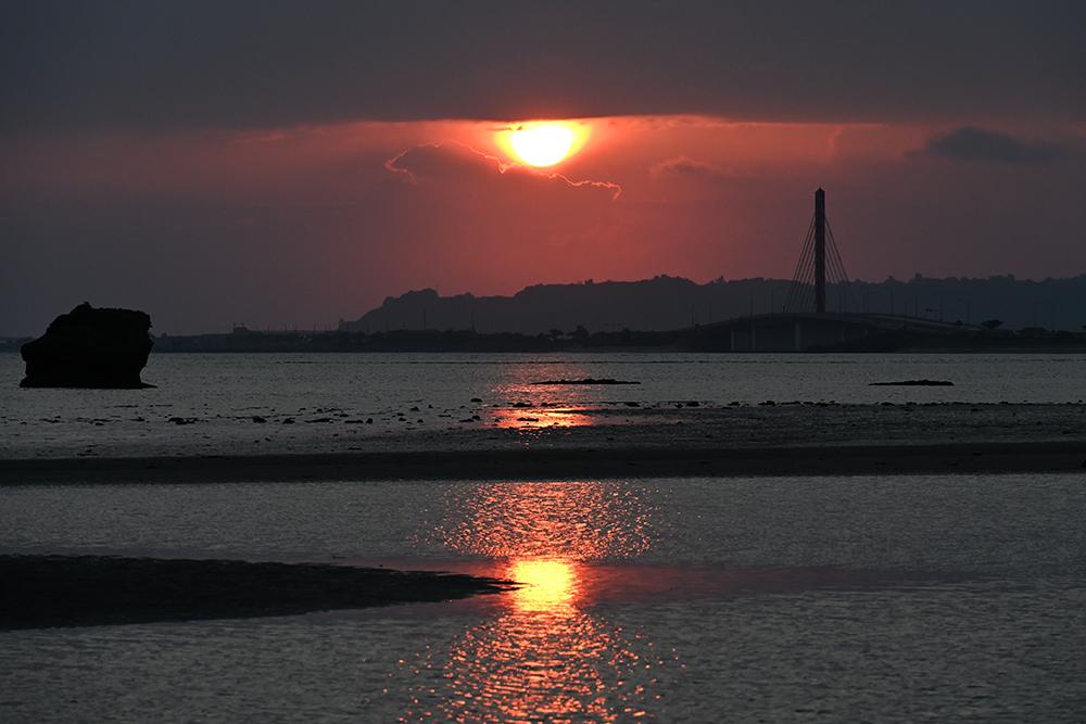 【画像】2021年10月16日の沖縄の朝日