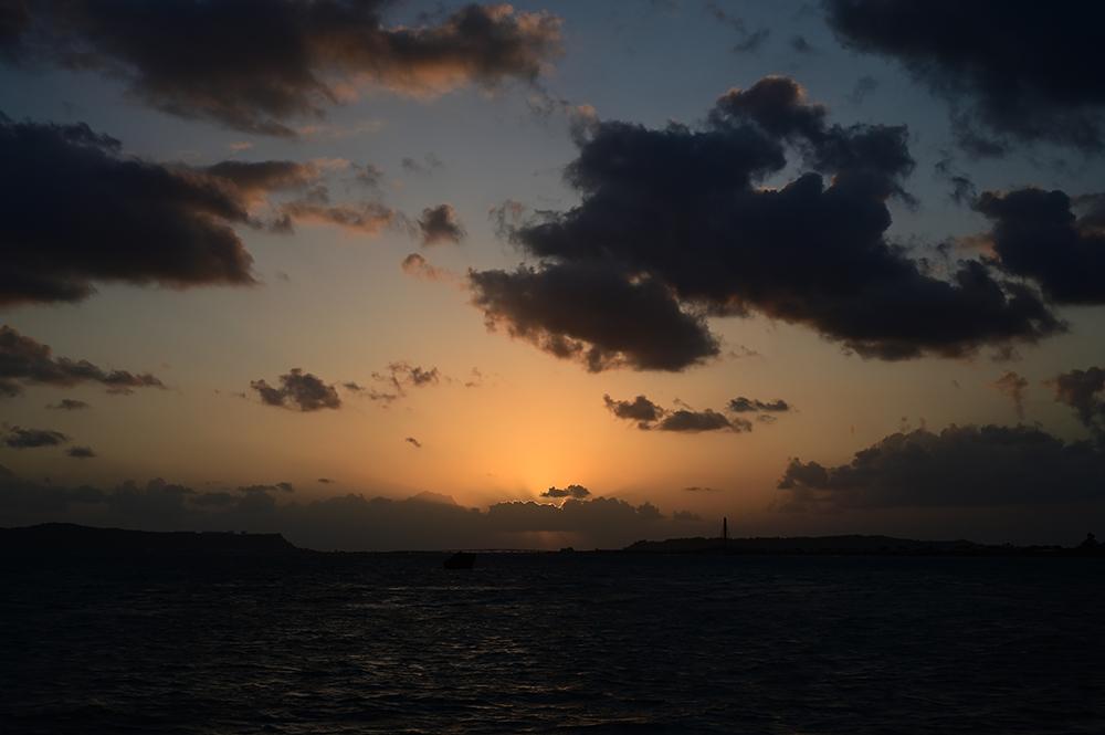 【画像】2021年10月4日の沖縄の朝焼け