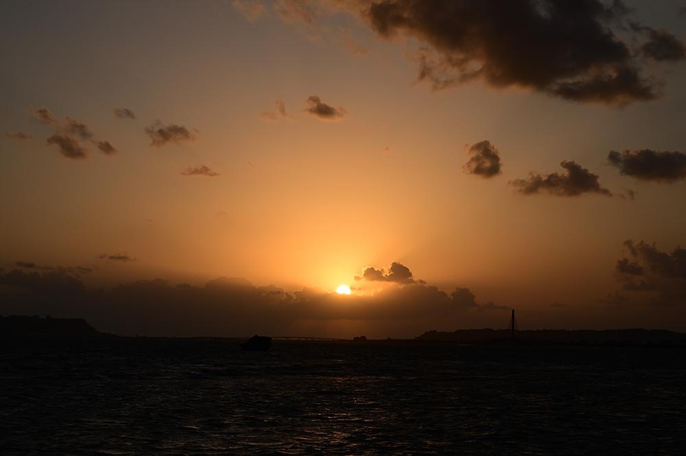 【画像】2021年10月4日の沖縄の日の出
