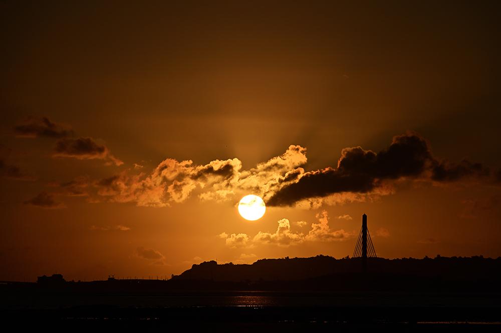 【画像】2021年10月15日の沖縄の朝日