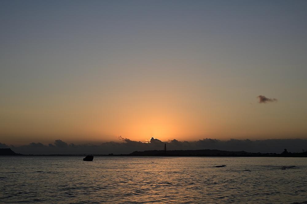【画像】2021年10月19日の沖縄の朝焼け