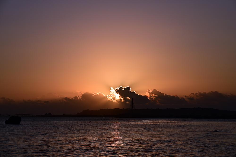 【画像】2021年10月19日の沖縄の日の出