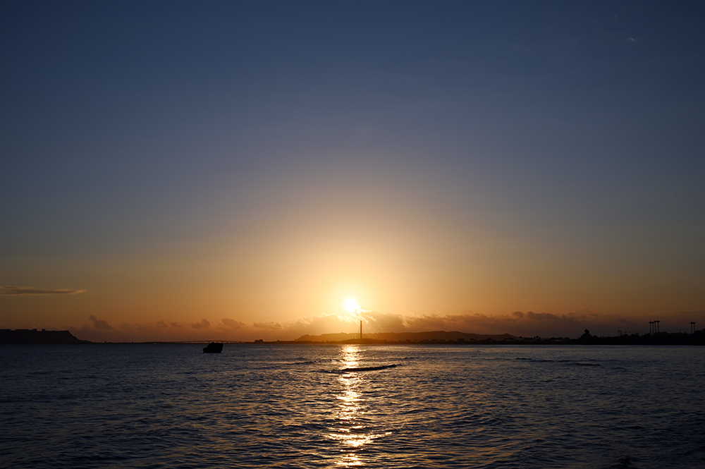 【画像】2021年10月19日の沖縄の朝日