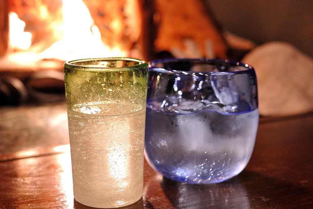 【画像】琉球ガラスに入った泡盛